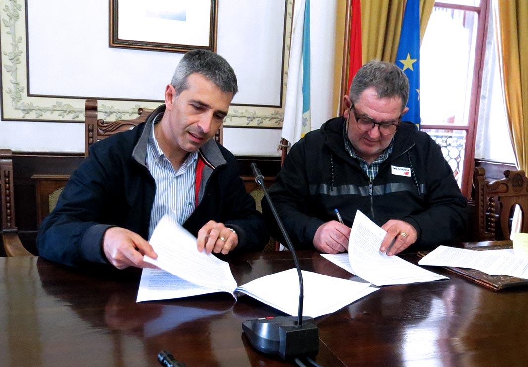 Sinatura do convenio anual de colaboración entre Acisa e Concello