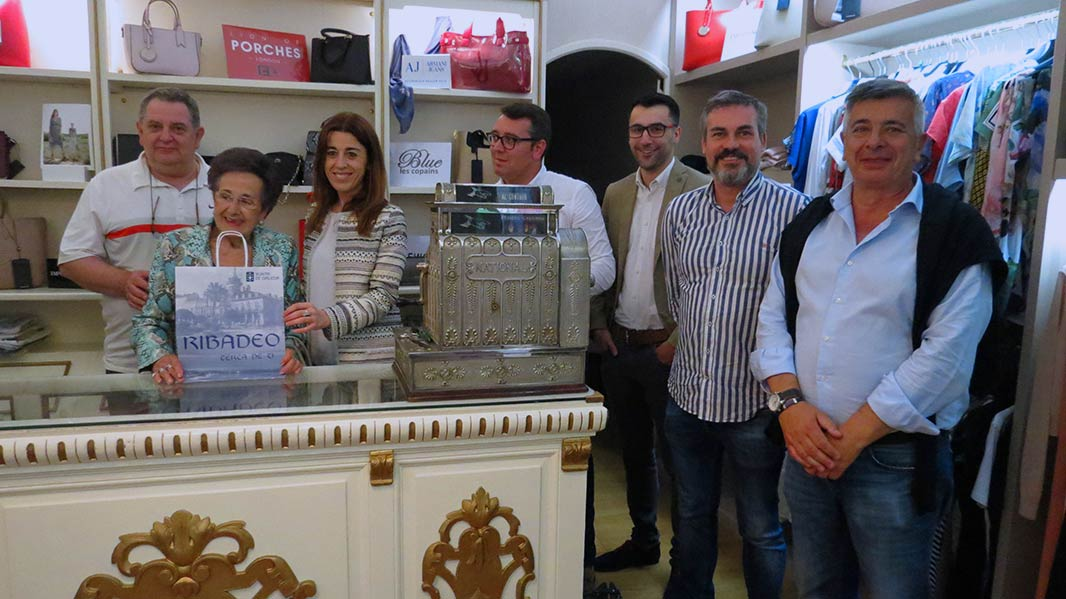 ACISA Ribadeo distribúe 35.000 bolsas de papel entre os seus asociados e asociadas